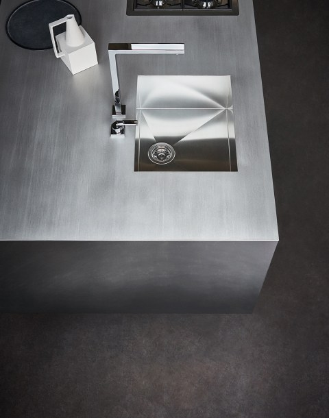 Hot-laminated steel of the worktop … - Image 1