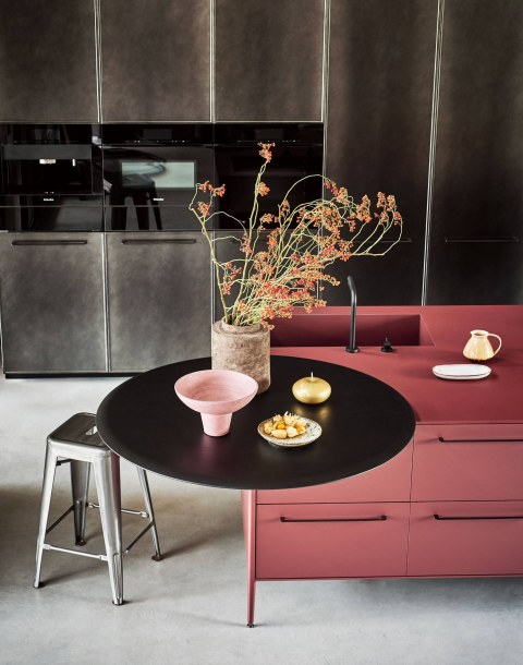 Platform breakfast bar in Rovere … - Image 1